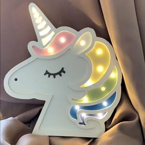 """New Light up Unicorn 16x 12"""". Batteries included"""